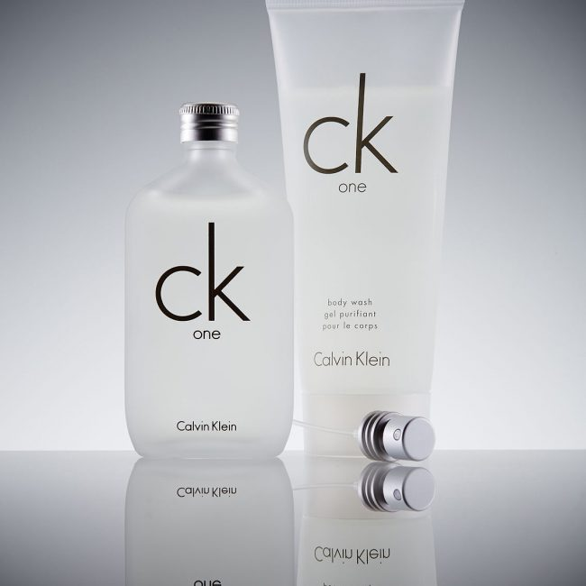 Still Life Fotografie Köln Parfüm Beautyprodukte Fragrance Kosmetik Produktfotografie Düfte Flacons Commercial Calvin Klein Werbung Editorial